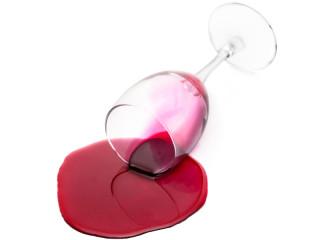 gestürzte rotweinglas attrappe beim displayland sfr 24 50
